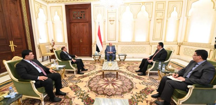 Yemeni President Meets VP, PM ahead of US Trip for Medical Checkup